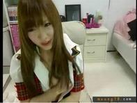 【ライブチャット】AKB48コスプレのすごくかわいい素人娘がライブチャットでバイブオナニー配信ww