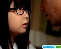 【ぽっちゃりJC】担任のロリコン先生が地味でぽっちゃりメガネのブスカワJC中学生に告って(笑)教室で汗だくセクロスww