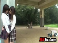 【レズキス女子高生】ベットまで待ちきれないレズビアン女子高生が野外でイチャイチャ濃厚レズキスしながら感じ合うww