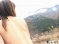 【青姦バカップル】山奥で紙オムツに三輪車のギャルと白昼堂々青姦セックスしちってるマジキチバカップルがいるんだがww