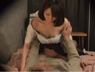 【援交女子高生】スケベ親父に手マンで弄ばれるヤンキー入った援交女子高生w悔しいでも感じちゃうビクビクみたいなww