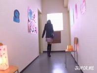 【足コキ女子高生】性欲有り過ぎなミニスカ女子高生が男子生徒のデカチンコを手コキ足コキ&バキュームフェラww