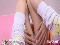 【主観フェラ】メガネ萌えなメイド喫茶の黒髪清楚系ロリ美少女がフェラチオのサービスwジュポフェラで痴女られるww