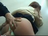 【トイレレイプ】清掃員のおっさんに白ギャル女子高生がデカ尻ペンペンされてアナルくぱぁーチェック良し!ww