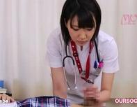 【看護婦フェラ実習ww】ロリ系看護婦さんが患者さんの溜に溜まった一週間分のザーメンを絞り抜くw手コキフェラチオ実習ンゴww