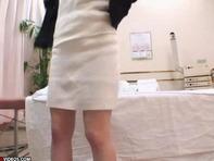 【人妻マッサージ】プリケツ人妻さんがマッサージに来たのに全裸にされてピクピクしちゃう姿を盗撮されるww