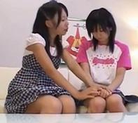【レズビアン小学生ww】小学生なのにクチュクチュ手マンレズキスなんて・・裏山・いや・けしからんおww