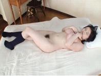 【吉川あいみ】ポヨヨンおっぱいの吉川あいみちゃんが全裸に紺ハイソックスでM字開脚パコパコ騎乗位ハメww
