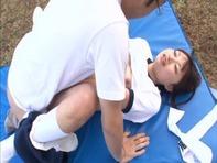 【咲田ありな】超絶美少女の咲田ありなちゃんがノーパン体操服でキモーいメタボ先生と野外セックスの個人指導ww