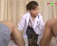 【手コキ女医さん】大人の色気が半端ない知的なメガネ女医さんが溜まりに溜まったザーメンを処理してくれたww