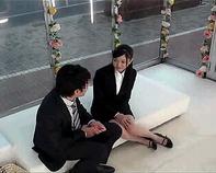 【マジックミラー号】喪服みたいなパツパツ黒スーツタイトスカートがタマらない!会社の同僚とMM号の中でセックス交渉AV出演!