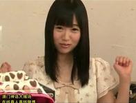 【AVデビュー】アイドル級に超絶ロリかわいい黒髪美少女の初々しいAVデビュー作!激しいベロチューセクロスとかウラヤマシスww
