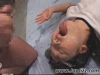 【JCキメセク】ノーパン体操服のJCロリっ娘がパコられながら大量のザーメンを浴びる媚薬キメセクが気持ち良すぎて理性がぶっ飛んじゃうww