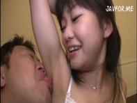 【汗ダクセックス】JS幼女みたいなポニーテールのブスカワ娘がメタボおっさんと汗ダクになってベロチューセックスww
