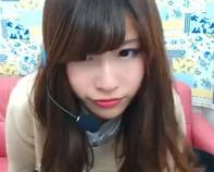 【巨乳ライブチャット】色っぽいフェロモン出しまくりなお姉さんがおっぱいポロリwエロエロライブチャット配信ww