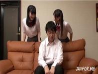【JS主観フェラ】2人のかわいい妹JSJCがお兄ちゃんのチンポをWフェラw主観映像で交互に中出し親近相姦ww