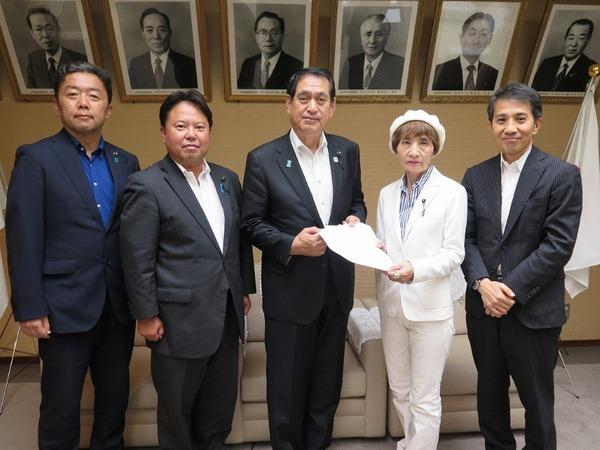 斉藤正明県議会議長に4会派が要望2