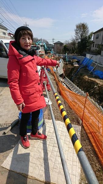 柳瀬川の護岸工事の現場を視察