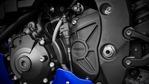 2018-Yamaha-YZF-R1-EU-Yamaha-Blue-Detail-009