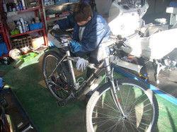 バイク屋です・・・