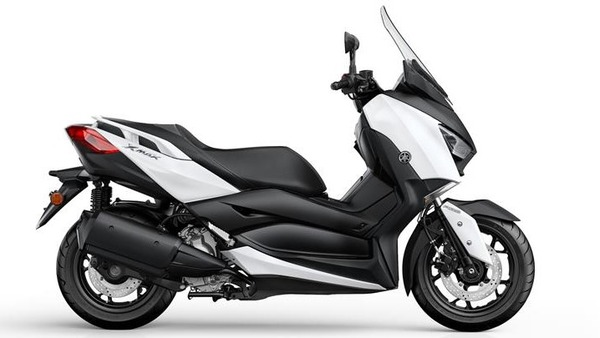 2017-Yamaha-X-MAX300