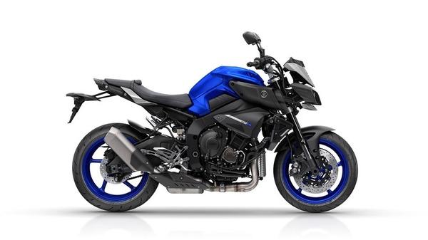 2016-Yamaha-MT-10-EU-Race-Blu-Studio-002