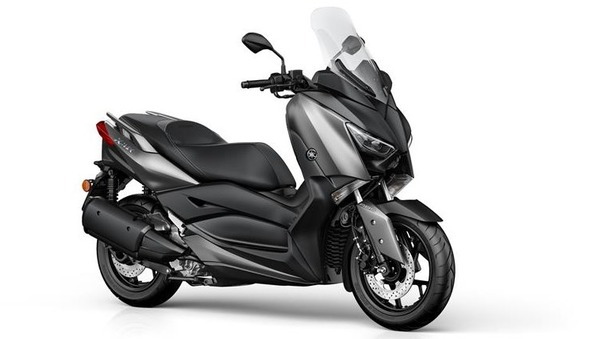 2017-Yamaha-X-MAX-300A-EU-Matt-Grey