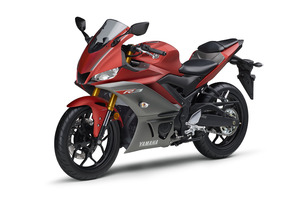 yzf-r3 RED 左前