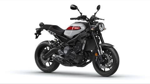 2020-Yamaha-XS850-EU-Garage_Metal-Studio-001-03