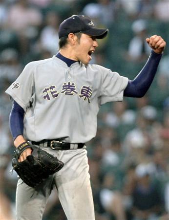 hanamakihigashi 菊池投手は、ZETTを使っていますね。あと、日大三高の関谷投手が