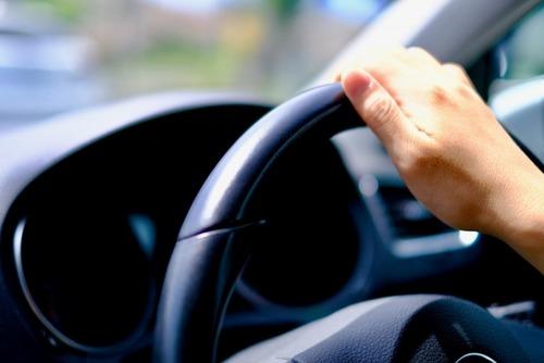 「あおり運転」厳罰化に9割賛成「所有車没収」「一生涯免停」を求める声も