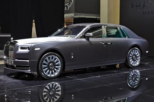 Rolls-Royce_Phantom_VIII_Genf_2018