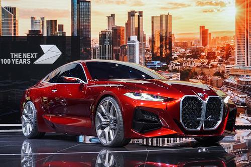 BMW、グリルがさらに大きく・・・