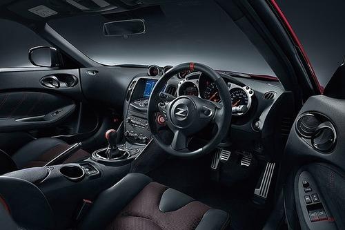 日産「フェアレディZ」限定モデル50周年記念車の価格発表! 458万8920円~
