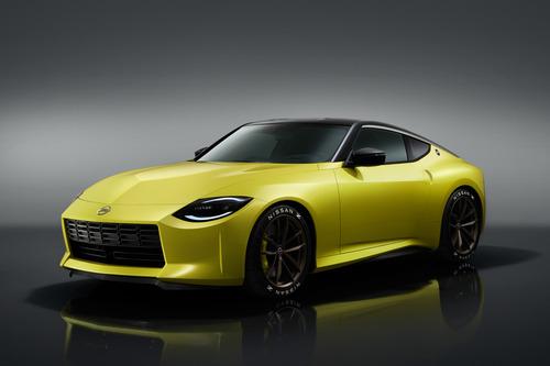 日産、新型「フェアレディZ」公開! V6ツインターボ&6速MT搭載