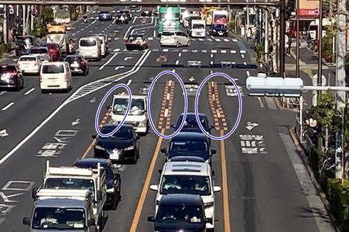 【画像】黄色い破線は車線変更していいのかい?
