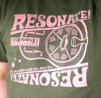 Resonate! Tシャツ