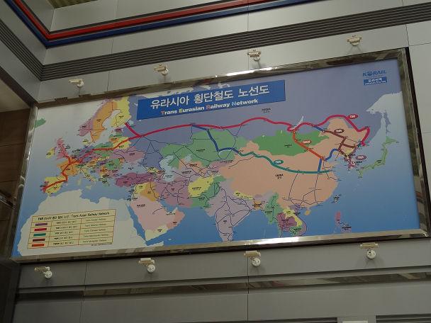 13DDMZツアー 駅 (8)