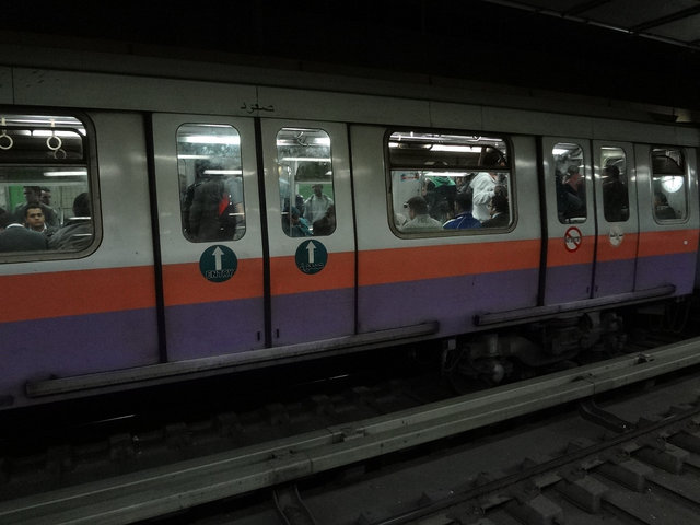 カイロ 地下鉄201212 (1)s