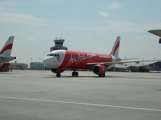 15 A320 AA (1)