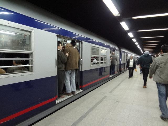 カイロ 地下鉄201212 (6)s