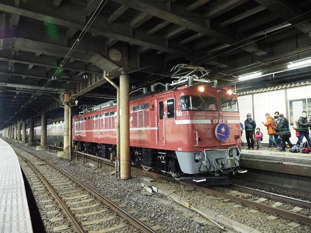 電気機関車 EF81 (1)