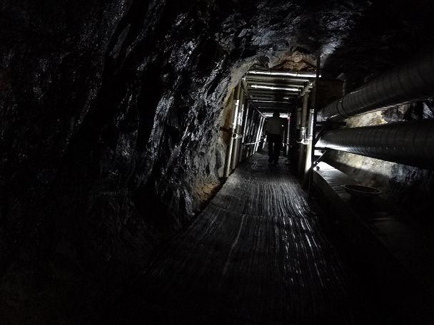 15DMZツアー地下トンネル (1)