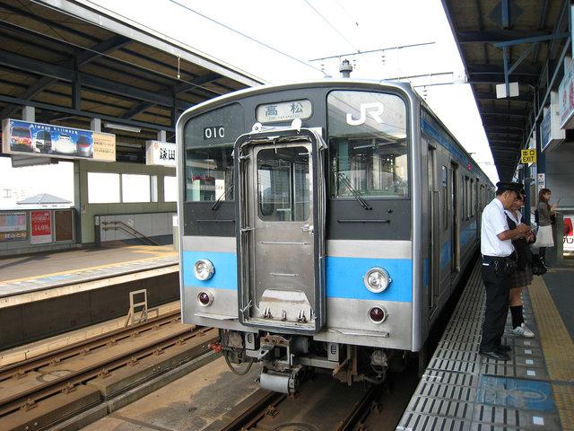 13 丸亀駅