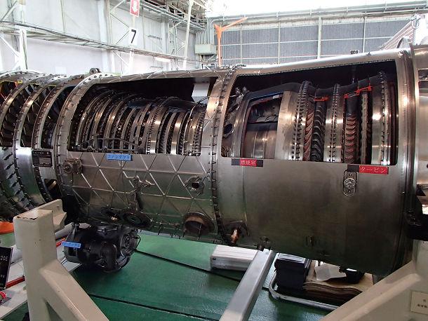 14-1 F15エンジン (3)