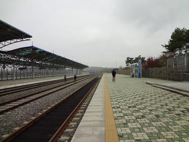 13DDMZツアー 駅 (11)