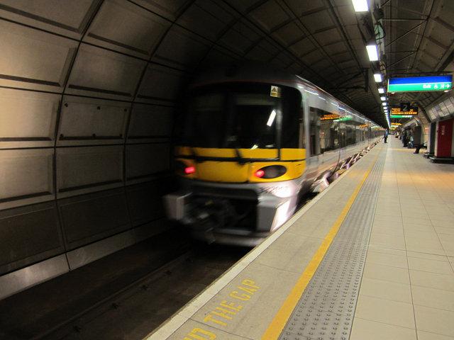 ロンドン LHR (1)