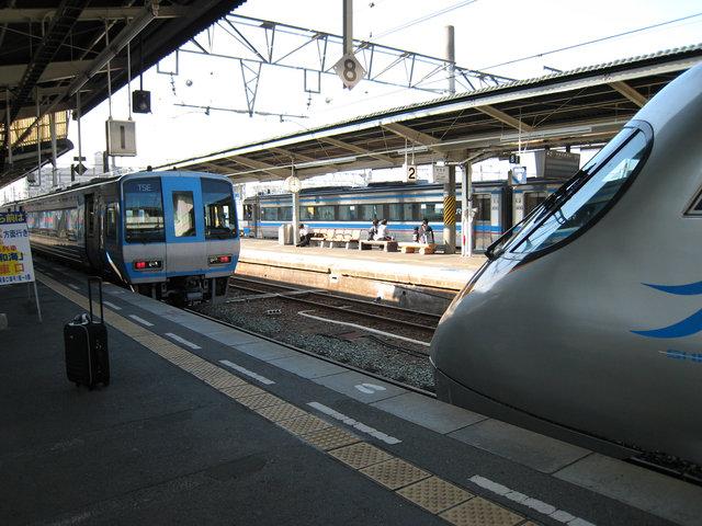 9 松山駅