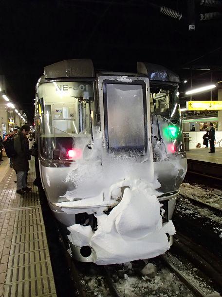 13 (1)電車 雪先頭