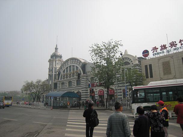 5 朝の繁華街 (5)